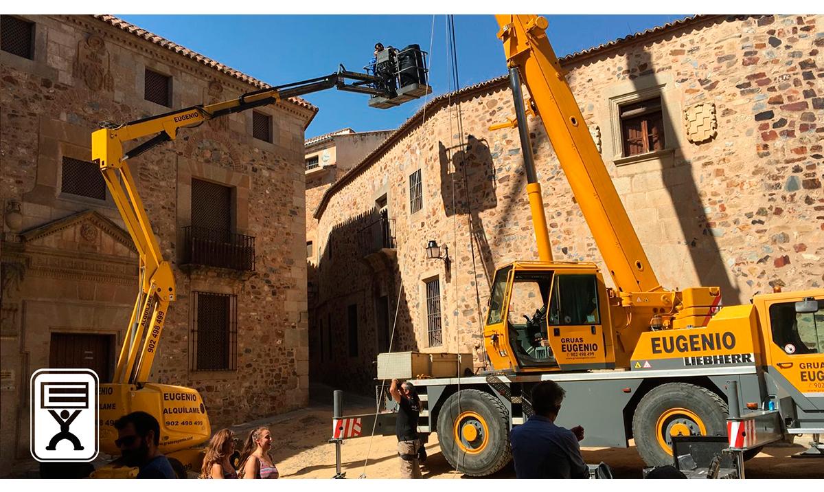 Gruas Eugenio y el cine en la prensa Regional